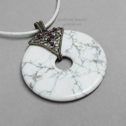 Sterling Silver, Garnet and Howlite Donut Necklace